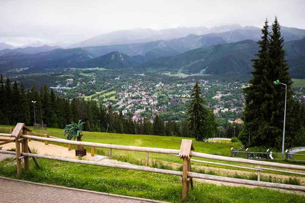 Z vrchu Gubalowka (1123) je pekný výhľad.